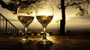 Wine Glasses Drinks Sunrise  - Mylene2401 / Pixabay