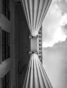 Columns Colonial Architecture  - mattsnagy / Pixabay