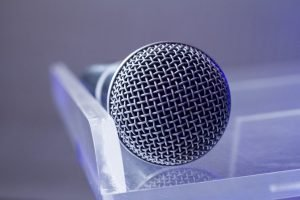 Mic Microphone Meeting Conference  - stephencphotog / Pixabay