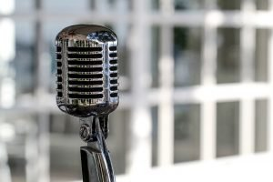 Microphone Vintage Cromatic Mic  - Fabrizio_65 / Pixabay
