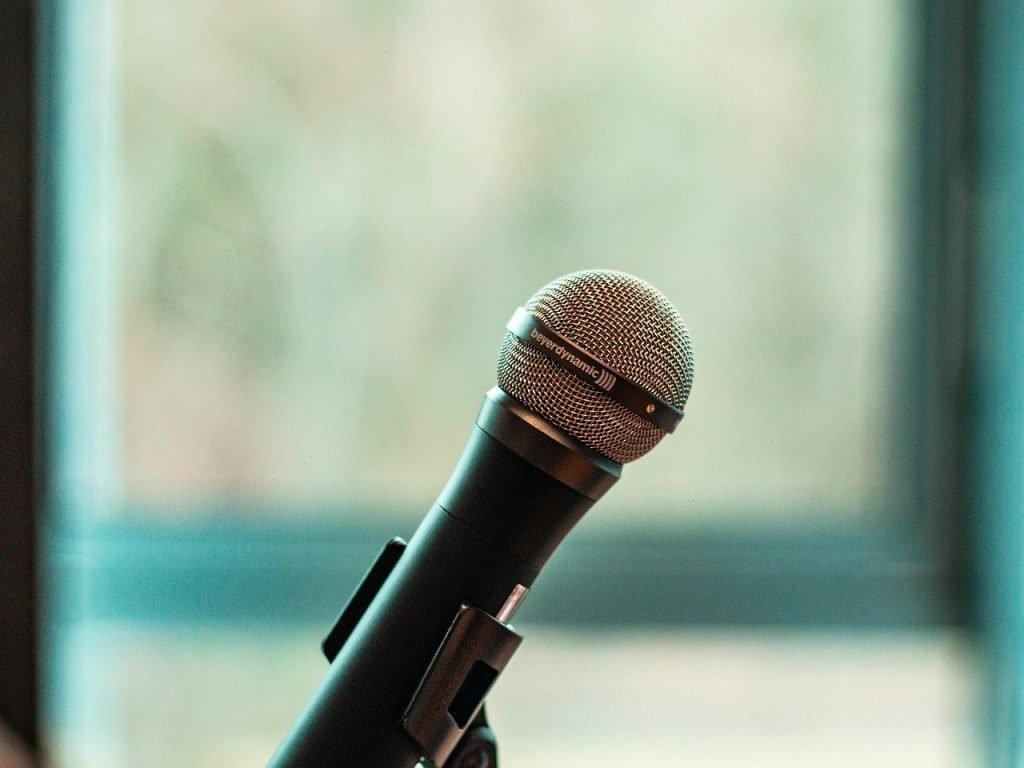 Microphone Mic Audio Sound  - TheArkow / Pixabay