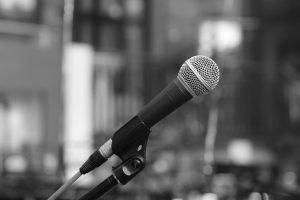 Microphone Phone Microphones Micro  - martinlutze-fotografie / Pixabay